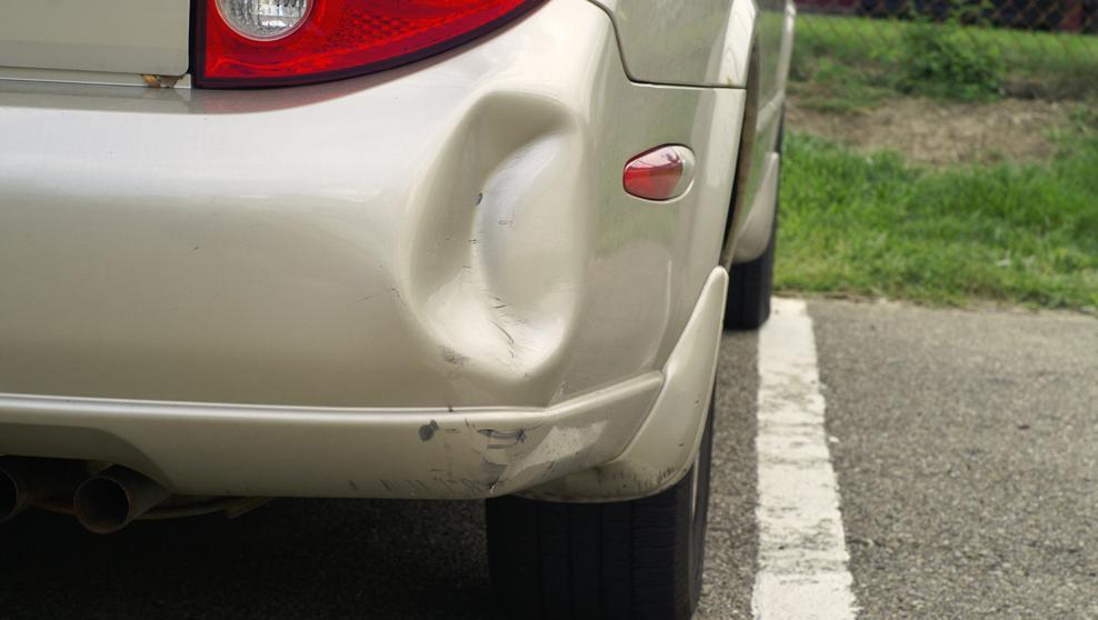 3 formas fáciles de quitarle un golpe a tu auto